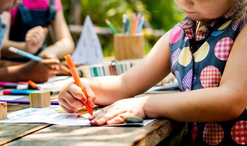 6 atividades e cursos para o seu filho se desenvolver!